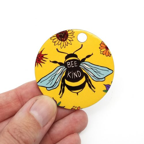 Wooden Pendant – Bee Kind