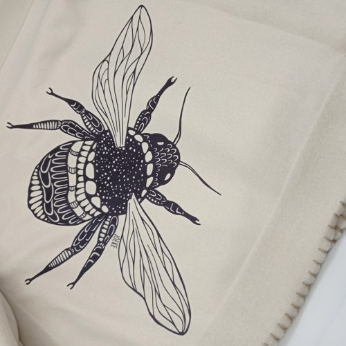 Fleece Blanket Bee + Free cathair