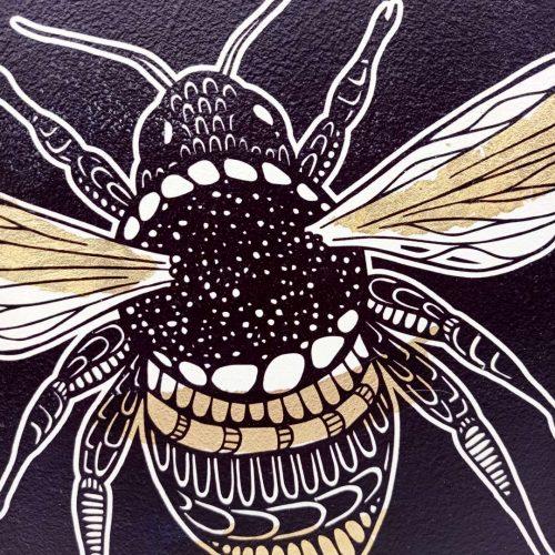 Print on wood – Bee